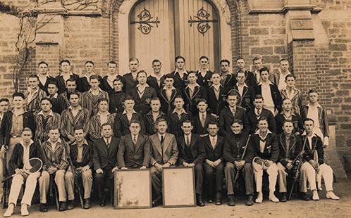 Intercollegiate Rifle & Tennis Teams, 1937 HAC) (P6062)