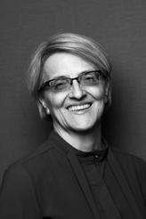 Associate Professor Linda Taylor