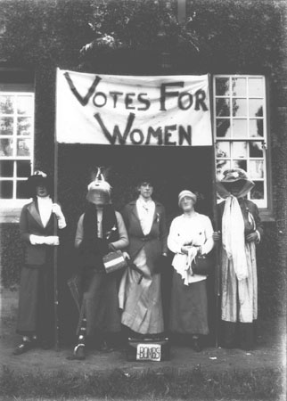 Empire Day - Students dressed up - Suffragettes [Hawkesbury Agricultural College (HAC)]