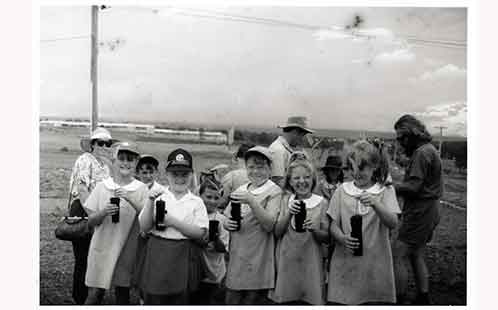 P2842 Tree Planting by School Children at Werrington South Campus 1993