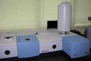 Fourier Transform Infrared spectrometer Vertex 70 with RAM II module
