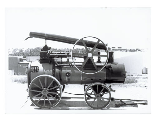 Steam_Engine_RAN_located_outside_Engineering_Building_Kingswood_campus_Thumbnail