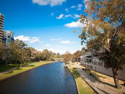 Parramatta City Campus - Lake