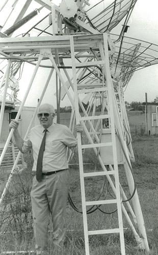 Prof. Godfrey Lucas (Dean, Faculty of Engineering) - Standing under Radio Telescope 1994 (P2974)