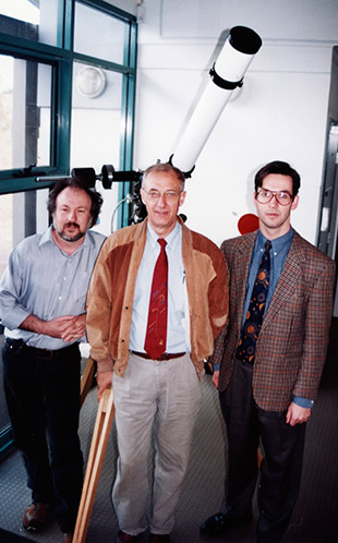 HOU Workshop - Three men (including Graham White) standing in front of a telescope - UWS Observatory 1996 (P4482)