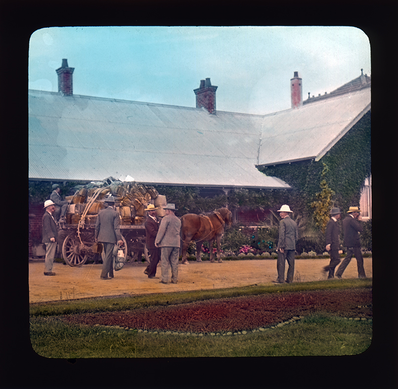 Horse and cart full of luggage outside the Main Administration Building Hawkesbury Agricultural College (HAC)