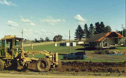 P5765 Construction of Werrington North Campus - Building AH on the Move 1988
