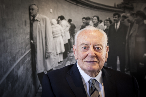 Gough Whitlam in front of photo of Gough Whitlam at the Echo Wall