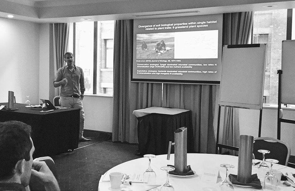 Professor Richard Bardgett (Manchester University, UK) giving his presentation.